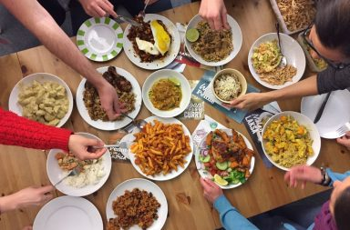 SimplyCook feast – all hands in
