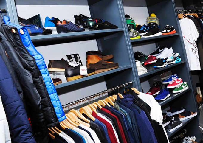 Mainline Menswear discount codes By far the simplest and most satisfactory way to get an instant saving on top designer clothes at Mainline Menswear is apply a voucher code you find right here on this page. We make sure all codes you find here are verified, up to date, and working.